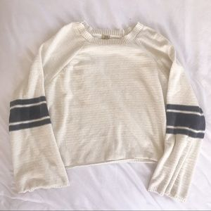 TRUE CRAFT | cream knitted bell sleeve sweater L